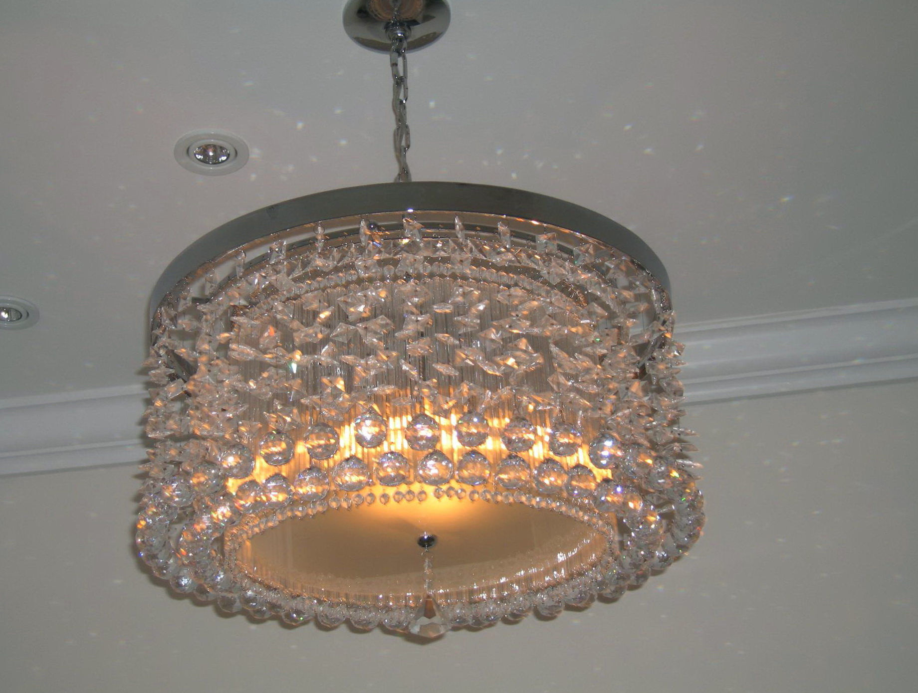 Small bathroom chandelier crystal home design ideas - Small bathroom chandelier crystal ...