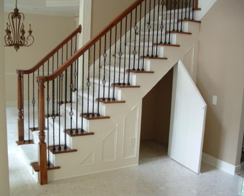 Small Closet Under Staircase Design Ideas