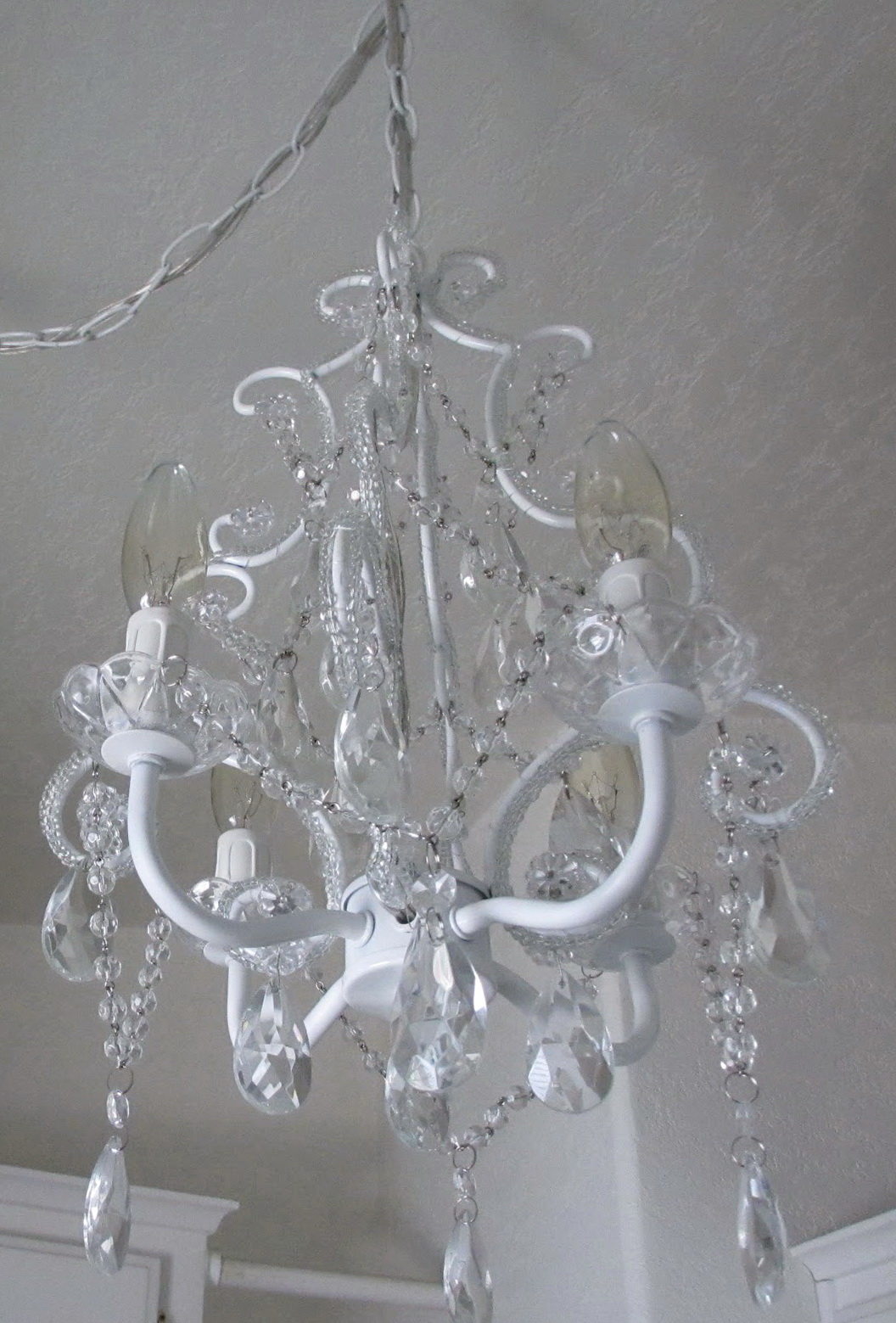 Antique White Chandelier Shabby Chic Home Design Ideas