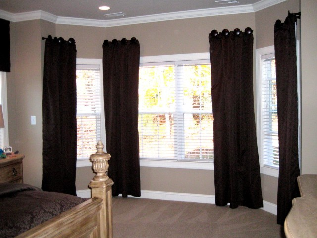 Bay Window Curtain Ideas Living Room