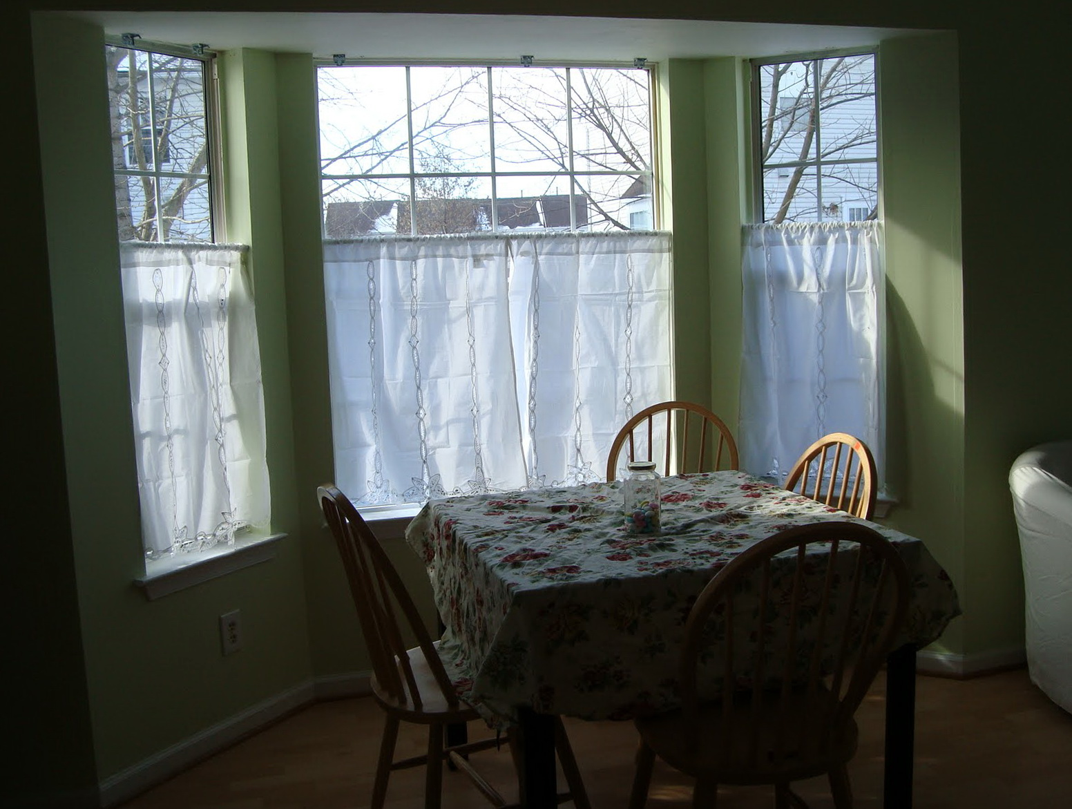 Cafe Curtains For Kitchen Bay Window