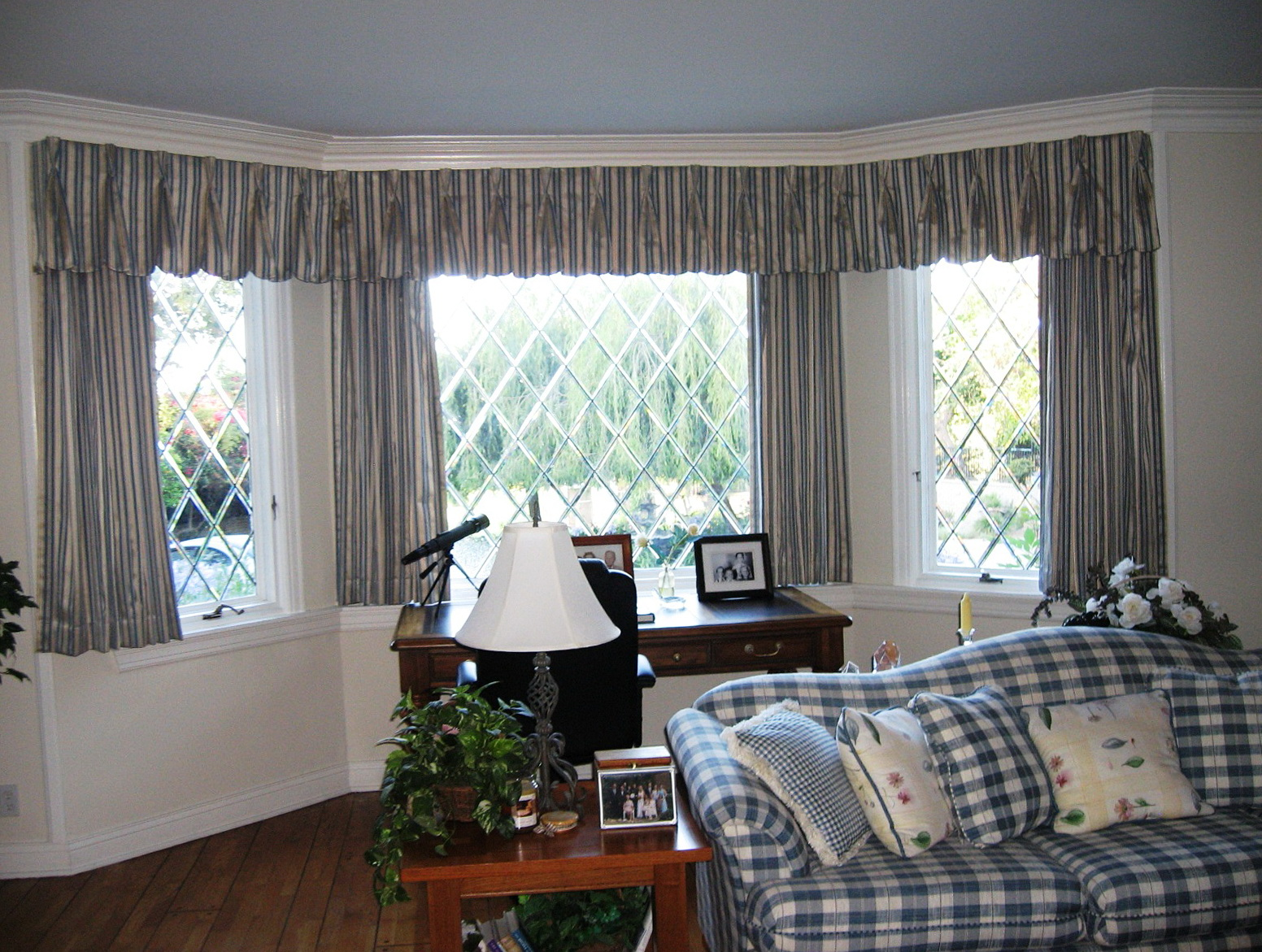 Curtains For Large Bay Windows Home Design Ideas