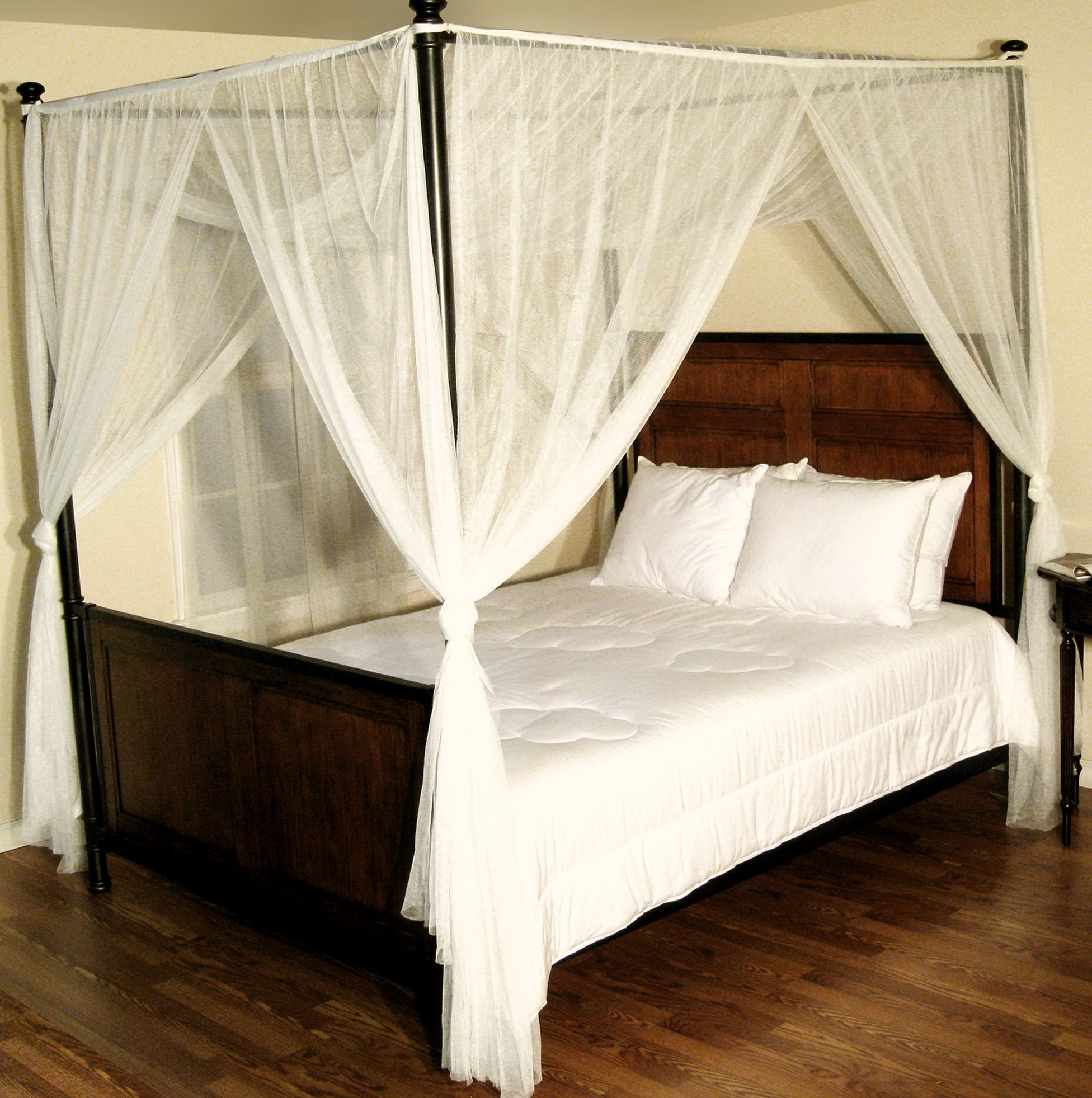 Four poster bed with curtains home design ideas - Four poster bed curtains ...