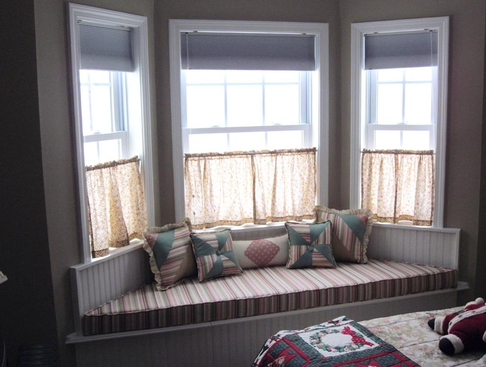 Small Bay Window Curtain Ideas