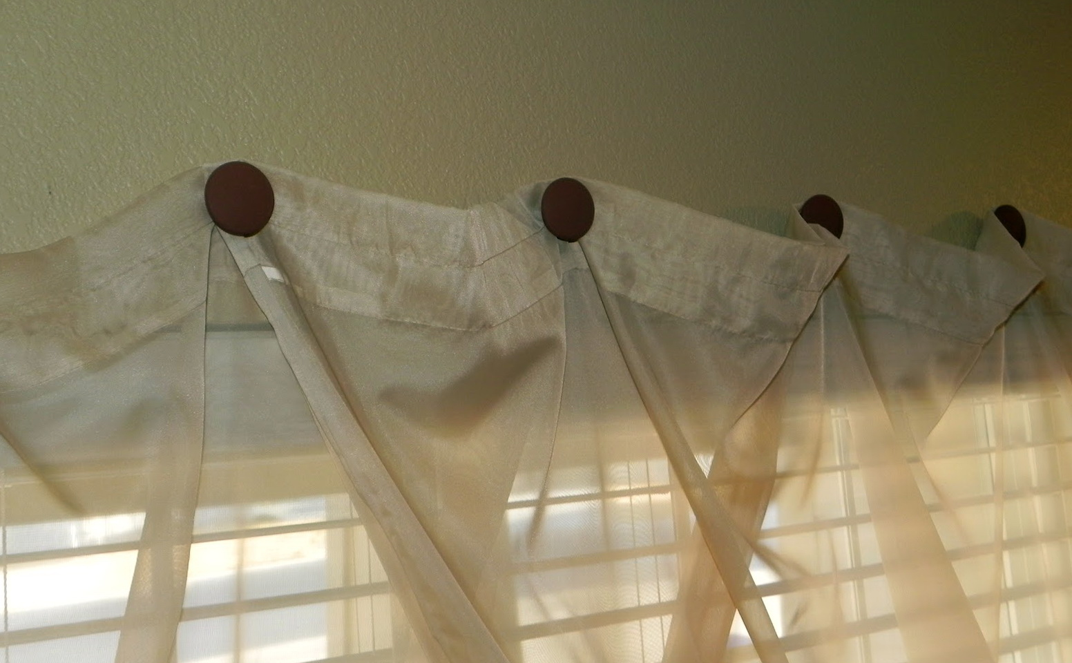 Hang Curtains From Ceiling Without Drilling Pranksenders