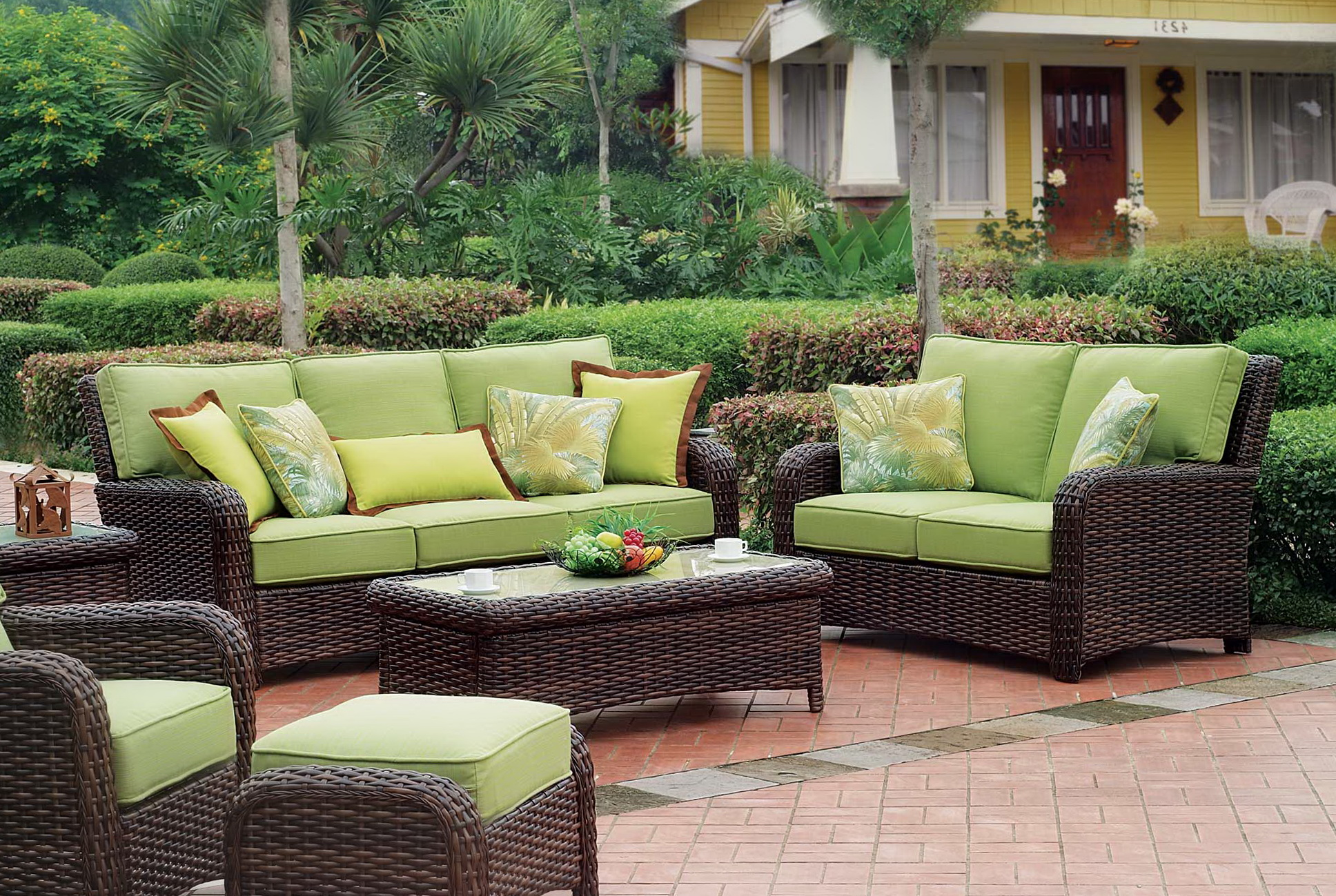 Wicker furniture cushions clearance home design ideas for Outdoor furniture images