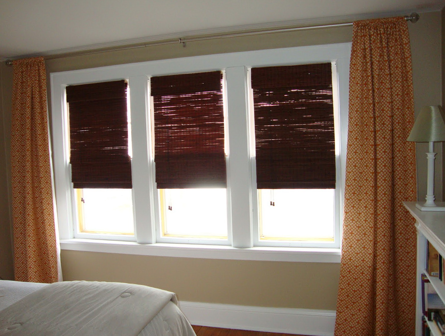 3 window curtains designs home design ideas for 3 window curtain design