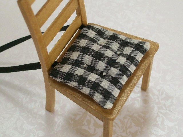 Black And White Chair Cushions