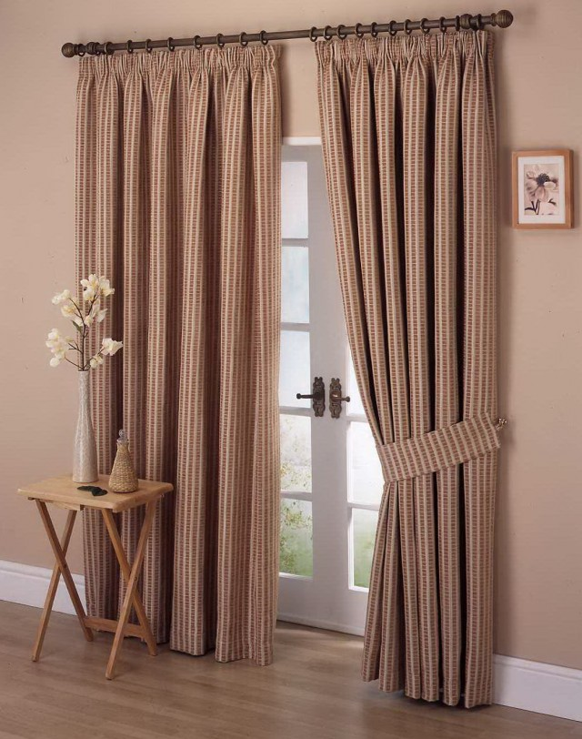 Living Room Curtain Designs 2014