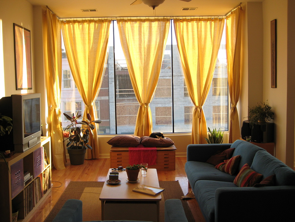 Modern curtains for small living room home design ideas for Modern living room curtains uk