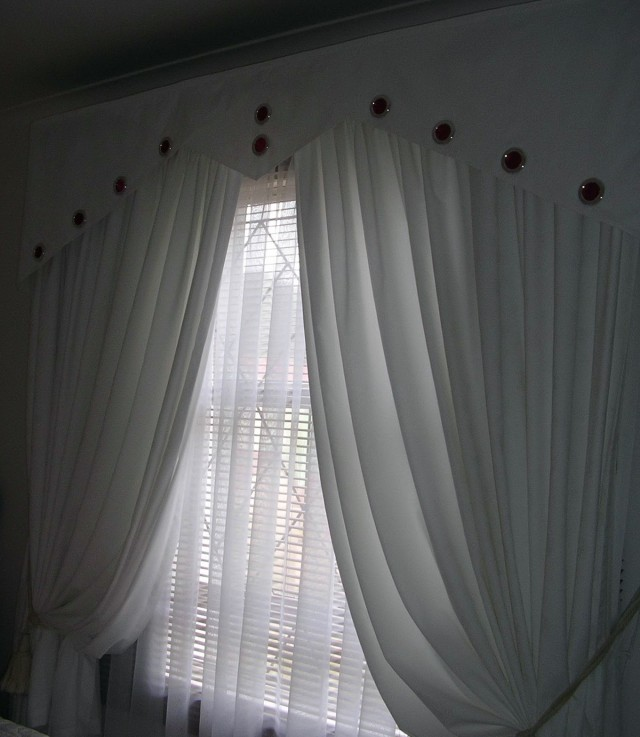 White Lace Bedroom Curtains