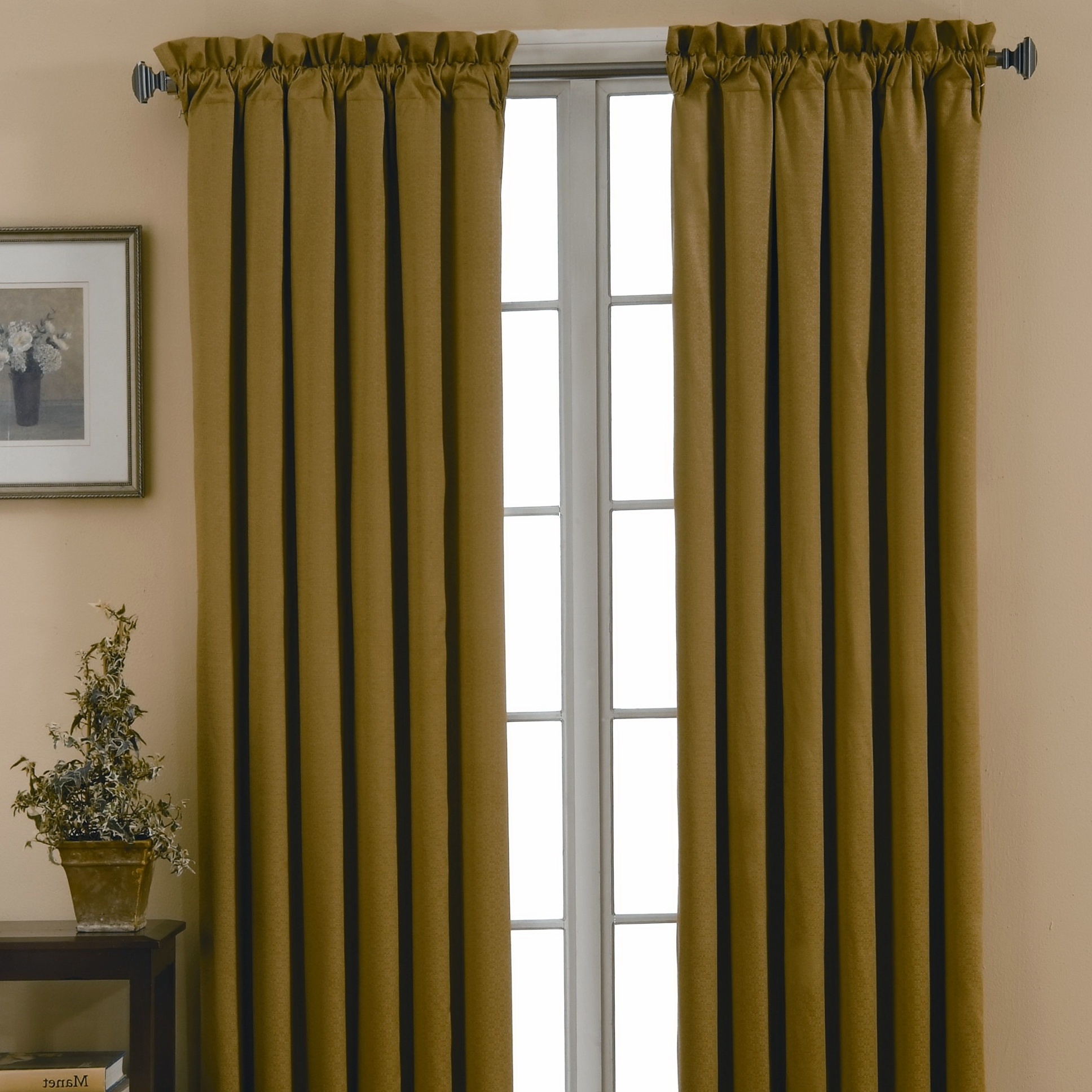Curtain And Drapes Difference