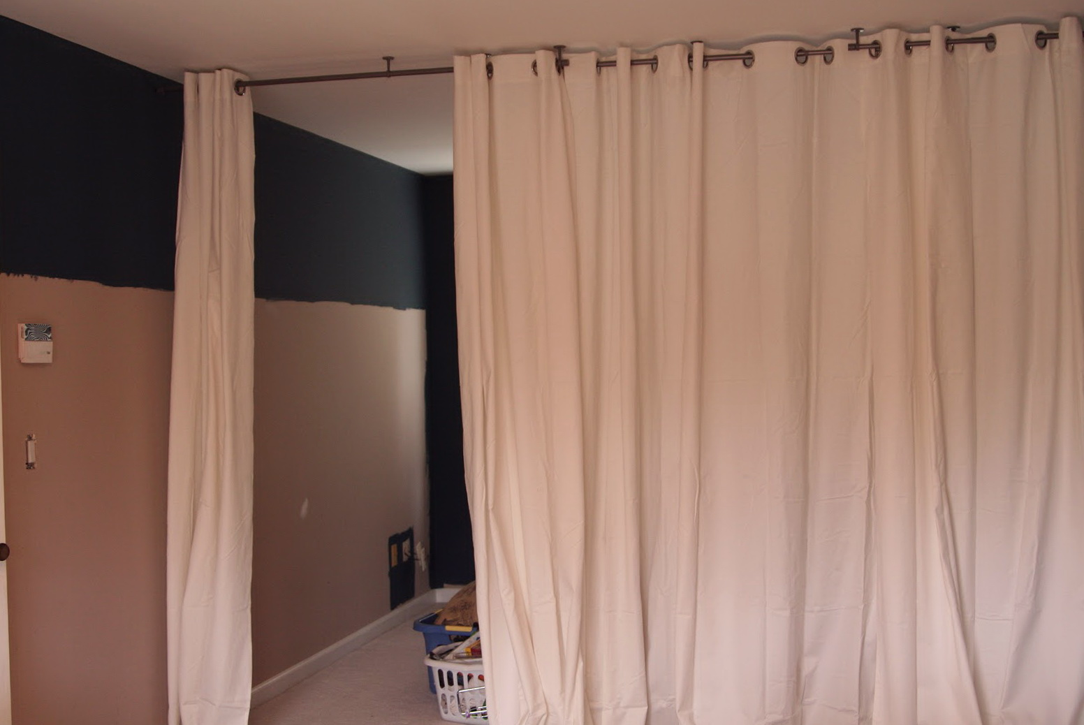 Room divider curtain track diy home design ideas - Room divider curtain ideas ...