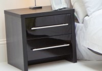 Bedside Table Decorating Ideas