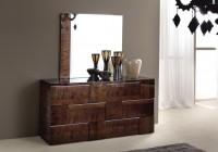 Mirrored Bedroom Furniture Decorating Ideas