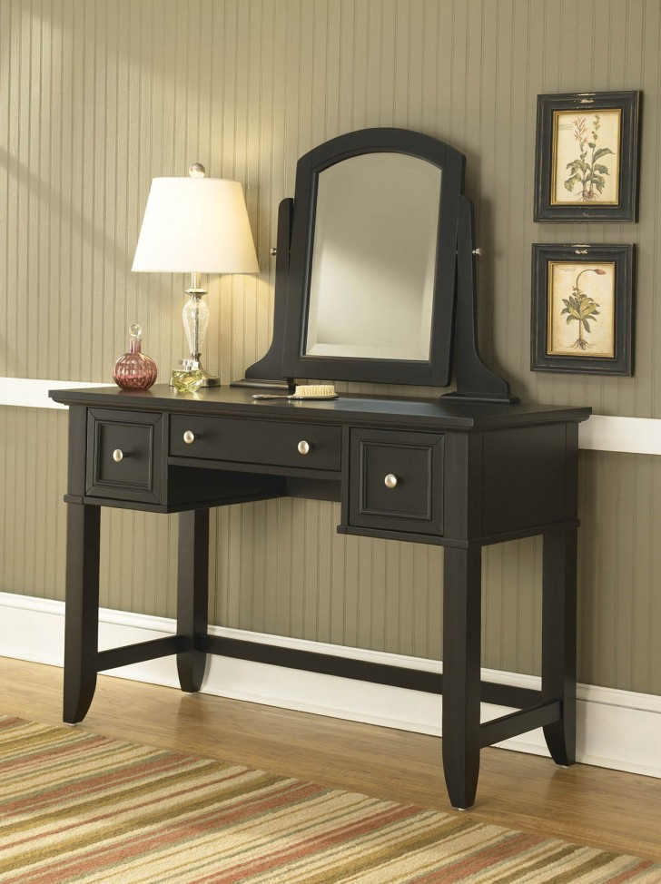 Permalink to Mirrored Vanity Table For Sale
