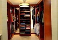 Small Walk In Closet Lighting