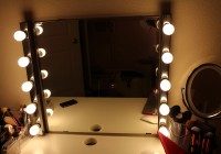 Vanity Mirror With Light Bulbs For Sale