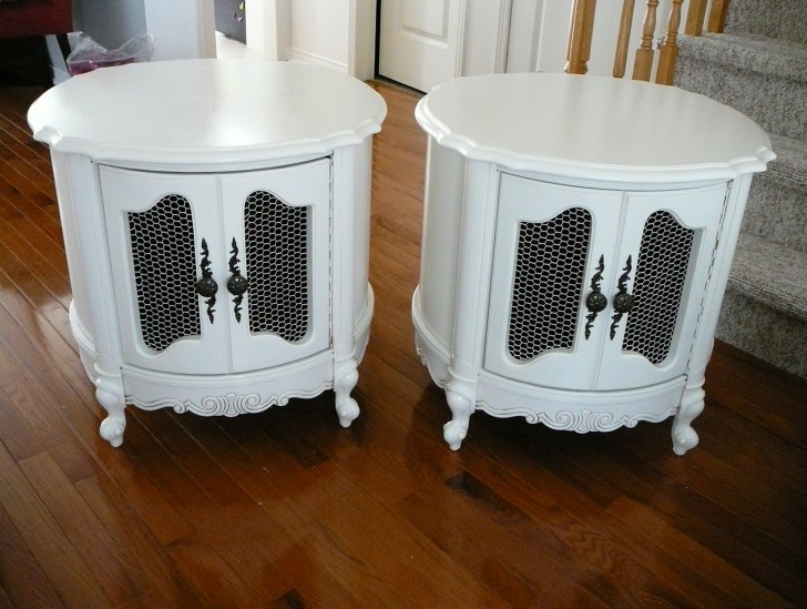 Permalink to White Accent Table Canada